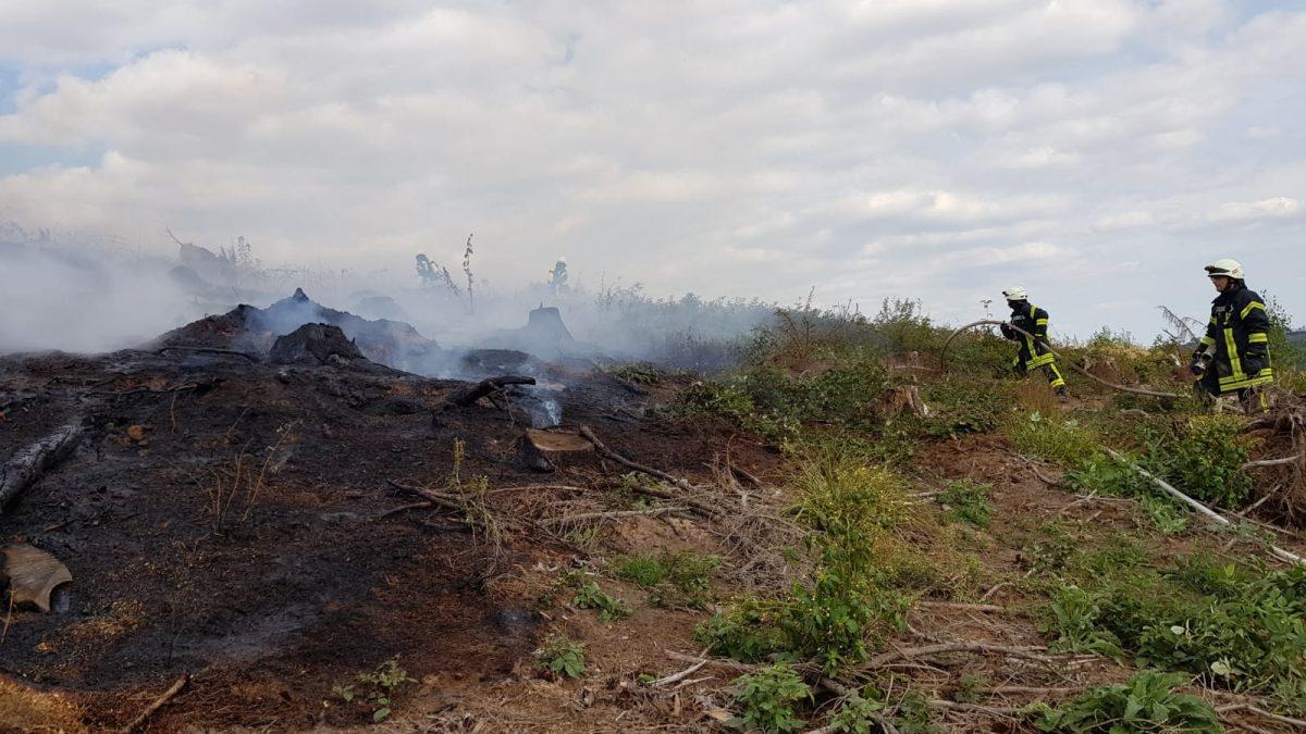 Freiflächenbrand Richtung Wehr